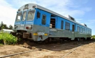 El tren de pasajeros que une Lincoln con Once chocó contra un camión Scania
