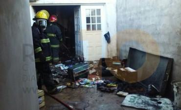 Se incendió un depósito que se encontraba en una vivienda de calle Laprida