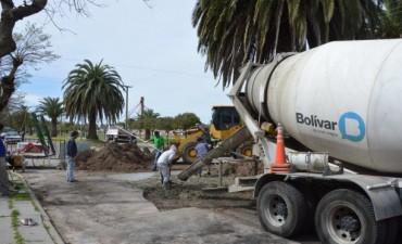 La cuadrilla de Obras Públicas sigue reparando baches en la ciudad