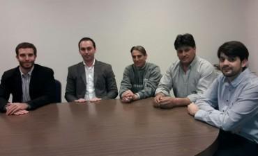 Cooperativa Eléctrica y Bomberos Voluntarios de Bolívar firmaron un convenio que beneficia a los integrantes del Cuerpo Activo