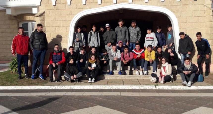 Jóvenes de Bolívar viajaron a participar de la jornada Envión Sos Vos