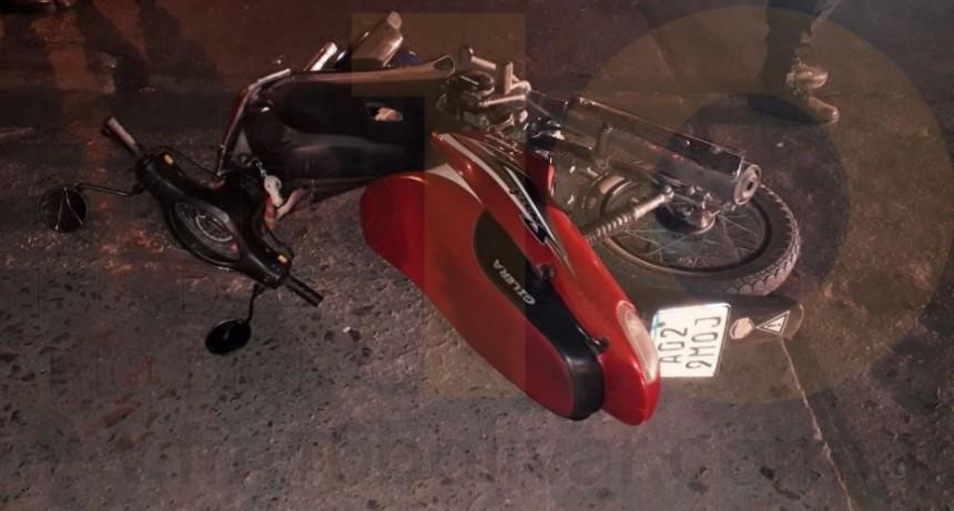 Una motociclista fue hospitalizada de manera preventiva