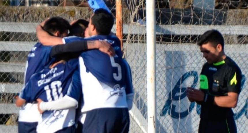 Se conocen los 4 clasificados de la Zona 'A',  mas Huracán de Tejedor por la 'B'. Independiente ganó el postergado