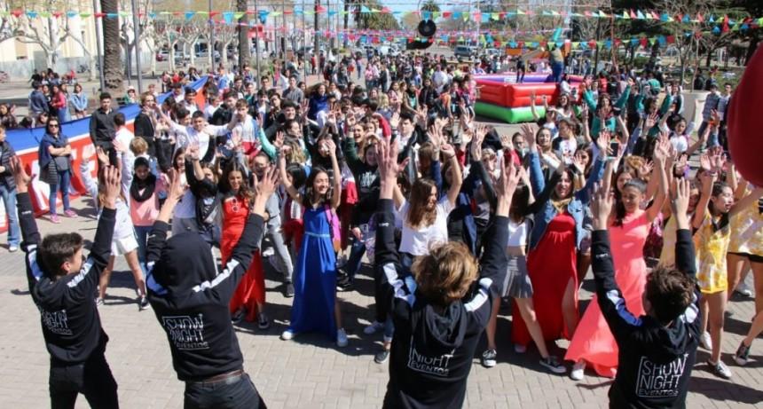 Más de 800 jóvenes celebraron el día del estudiante en el Centro Cívico
