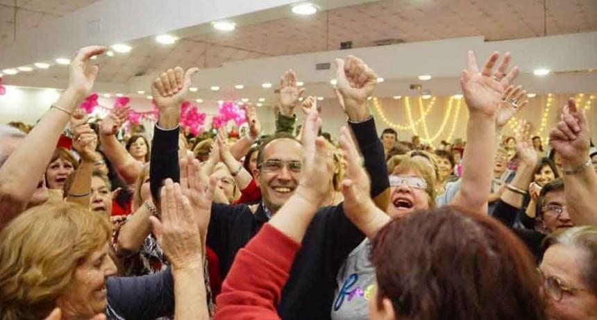 Jubilados de Bolívar y las localidades disfrutaron de una gran fiesta celebrando su día