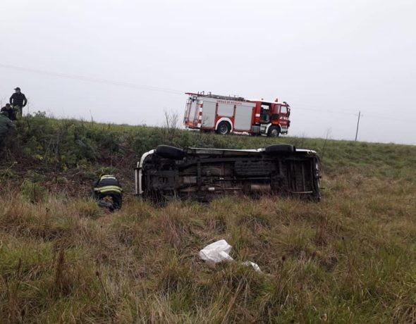 Dos personas protagonizaron un vuelco en inmediaciones al acceso a Del Valle por Ruta 65