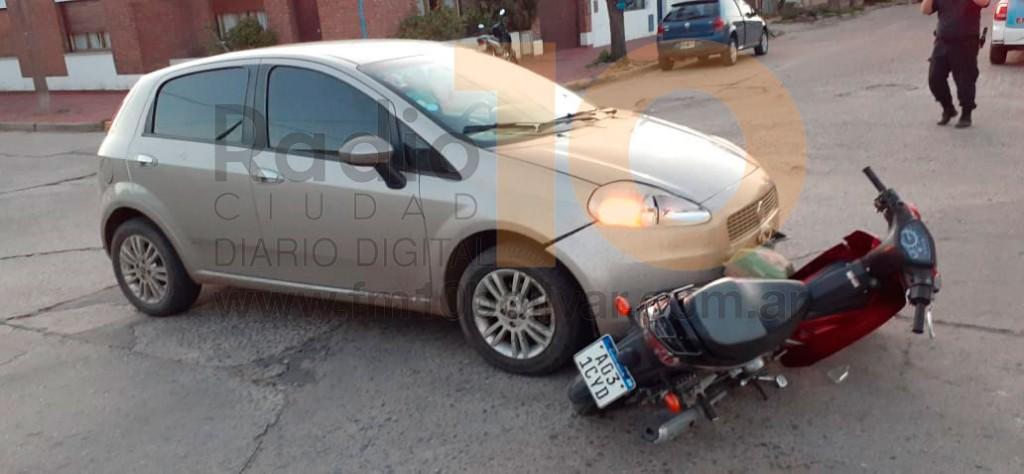 Dos conductoras protagonizaron un accidente en Santos Plaza y Olavarría