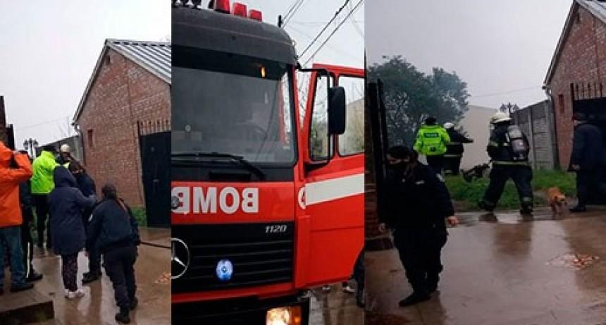 Vecinos quemaron residuos y alertaron a Bomberos sobre el riesgo a una propiedad lindera