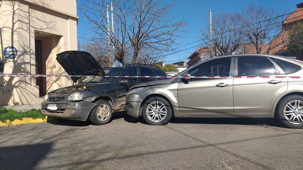 Una persona mayor hospitalizada tras la colisión de dos automóviles