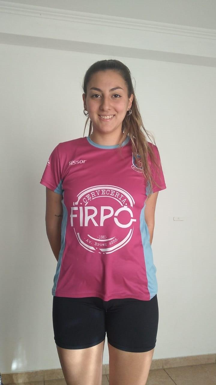 """Chiara Quiroga: """"El fútbol femenino es algo muy lindo, lleva mucha gente y está muy bueno"""""""