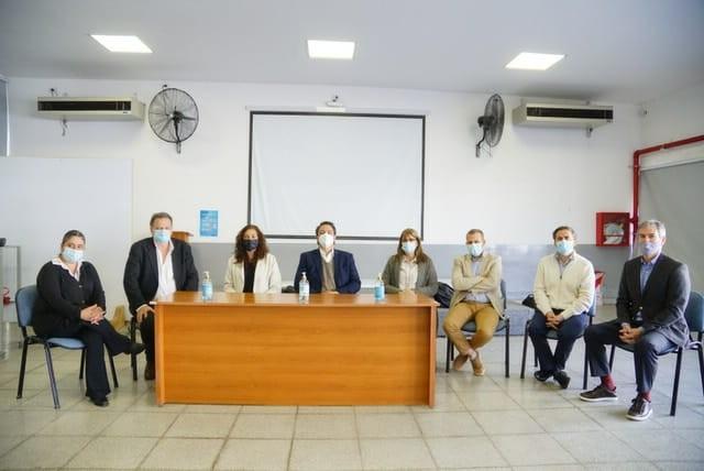 Visita de profesionales del laboratorio Inmunova: