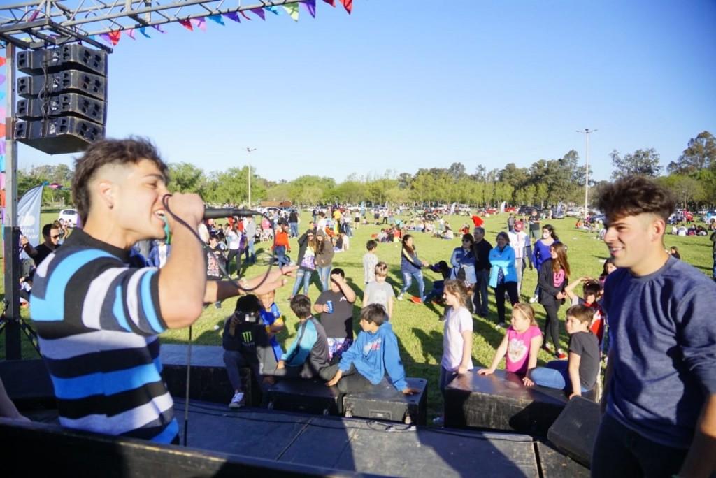 Jóvenes de Bolívar y Pirovano celebraron el día del estudiante