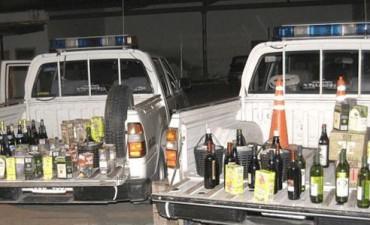 Amenazan con cierre definitivo a comercios que vendan alcohol a menores