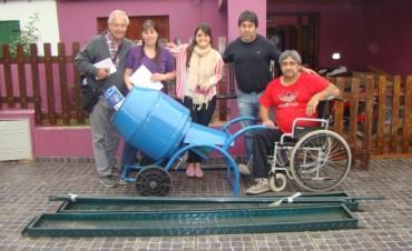 Se entregaron más microemprendimientos a vecinos bolivarenses