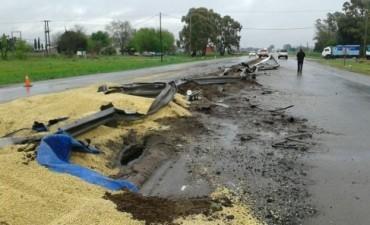 Un bolivarense volcó el camión en el que viajaba en cercanías de Junín