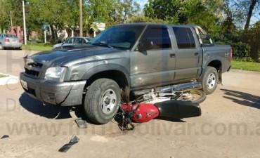 Accidente: Una joven resultó con lesiones a raíz de una colisión