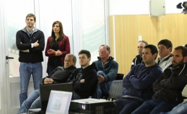 Se desarrolla una jornada de actualización técnica de pulverización agrícola en el CePLA