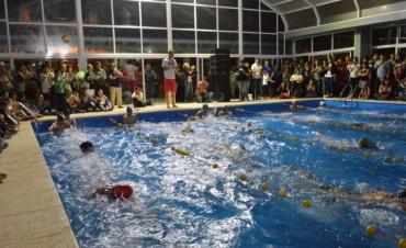 El natatorio municipal 'Domingo Lamarque', ofrece distintas actividades para toda la familia