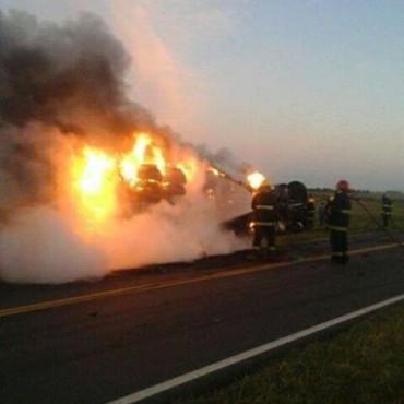 Bonifacio: Trágico vuelco e incendio en ruta provincial 65