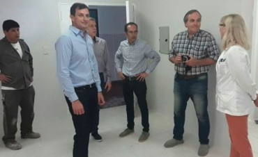 Hospital 'Capredoni': Bucca, Pisano y Mariano recorrieron la nueva cocina