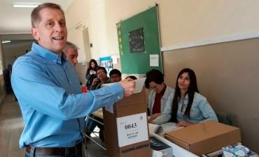 Votó Luis María Mariano, candidato por la lista Cumplir de Bali Bucca