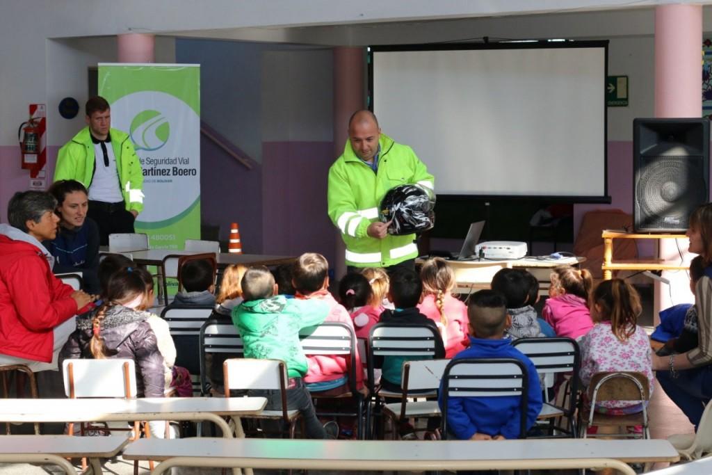 Se brindará una charla sobre Seguridad Vial este viernes en el Salón Verde