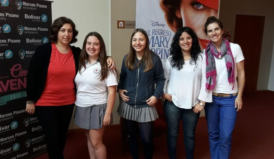 Alumnos de 3º año de Colegio Cervantes presentaron un cortometraje por el cual fueron premiados