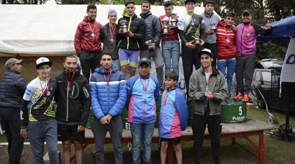 Dos primeros puestos de la Escuela de Ciclismo en Daireaux