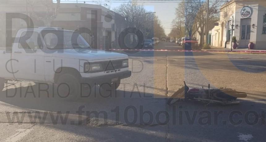 Impacto en Avenida Brown y calle Bóer: Una moto y una camioneta se vieron involucrados