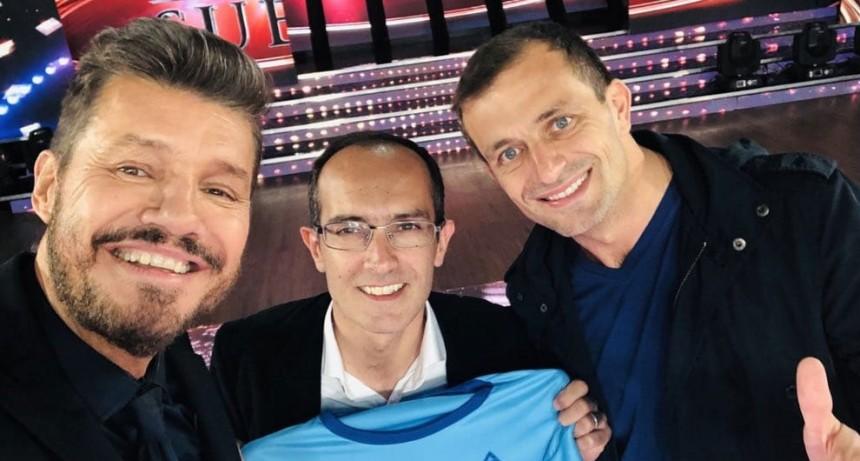 Pisano y Tinelli presentaron la remera de la maratón en Showmatch