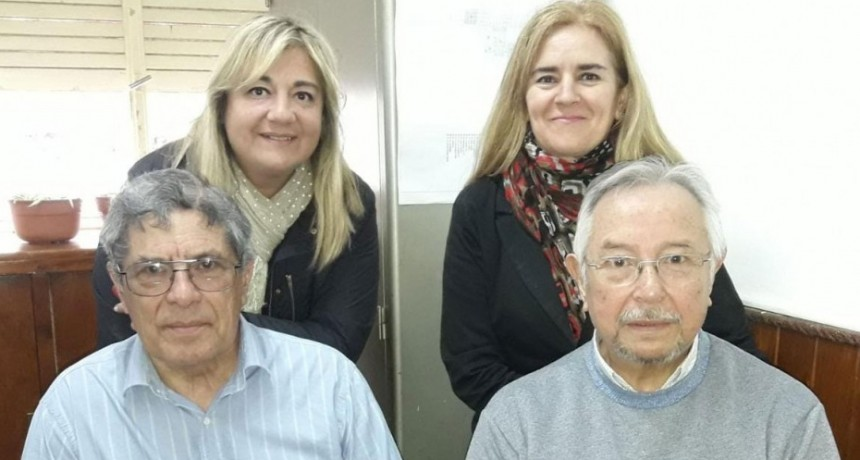 Empleados municipales jubilados despiden el año con una gran cena