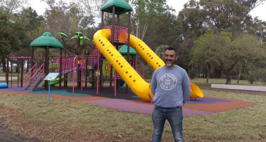 Habilitan el sector de juegos renovado del Parque Las Acollaradas a las 15 horas
