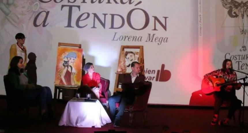 La Municipalidad acompañó la presentación del libro 'Costura a Tendón' de Lorena Mega