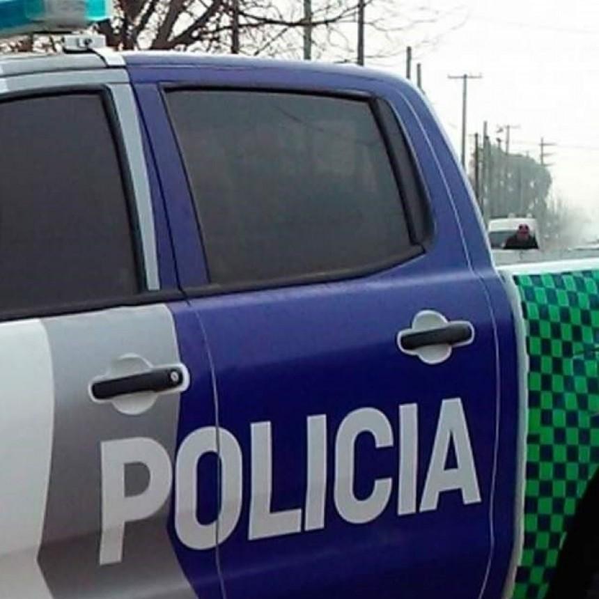 Parte Policial: un herido de bala en estado grave, daño en vidriera y contravenciones