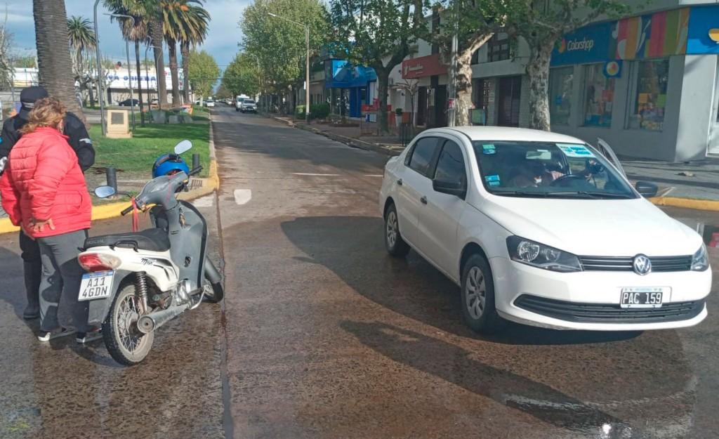 Leve colisión en avenida Lavalle y calle Mitre