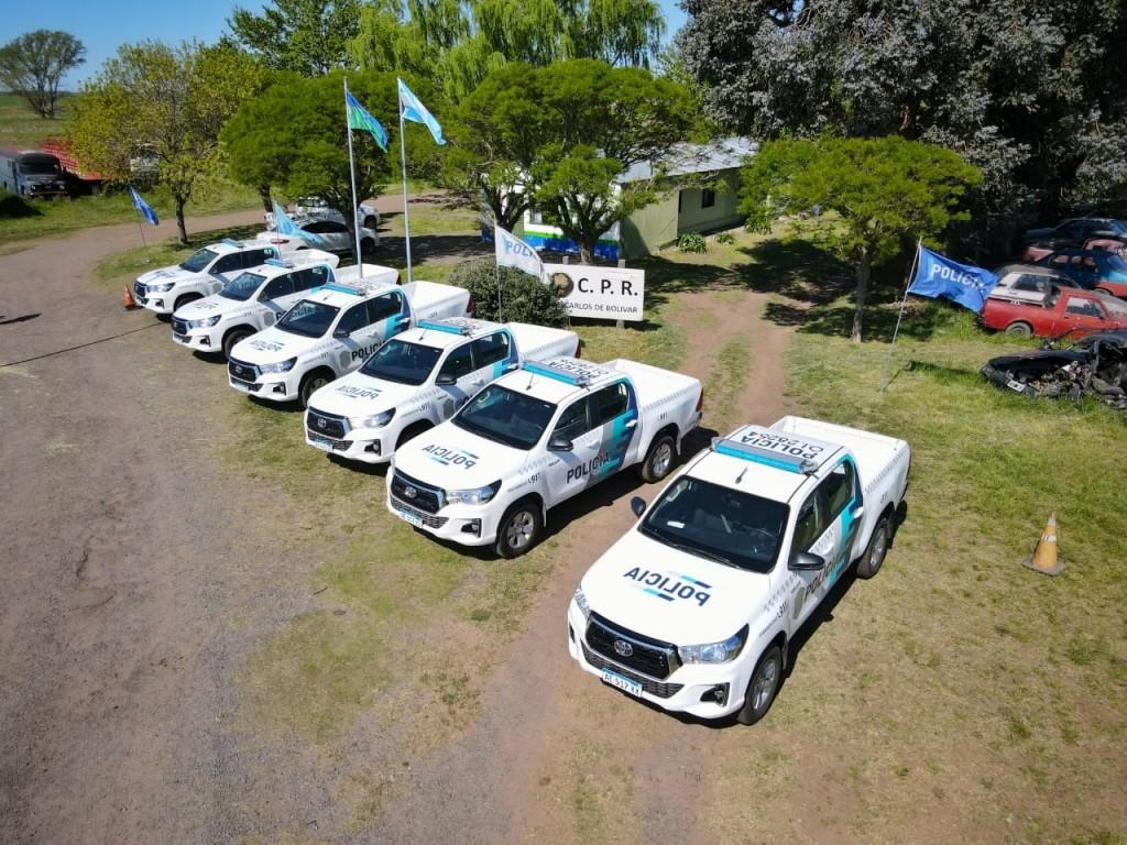 Posterior a la entrega de 6 camionetas Toyota a Patrulla Rural, el Intendente convocó a una reunión de trabajo