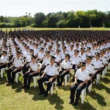 La Provincia espera el egreso de diez mil policías