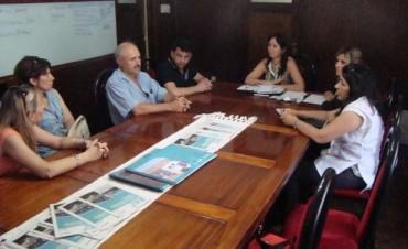 La Municipalidad entregó aportes económicos a Escuelas de Bolívar