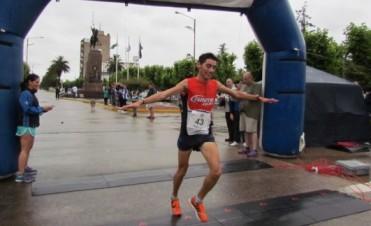 """Miguel Guerra, de Veinticinco de Mayo, se quedó con la 16° Edición del Maratón """"Dino Hugo Tinelli"""""""
