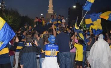 Boca fue campeón y Bolívar se vistió de azul y oro