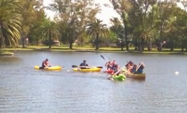 Jornada para disfrutar en el parque con la 'Escuela de Canotaje'