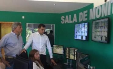 Bali Bucca recibió a Jorge Cortés, el intendente electo de Henderson, para mostrarle el nuevo 'Centro de Monitoreo'