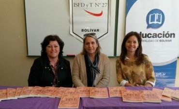 El ISFD N° 27 presentó un libro con trabajos de los alumnos del 'Profesorado de Historia'