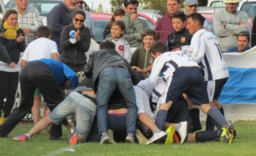 Fútbol Rural: 'La 14' lo dio vuelta y se coronó campeón 2016