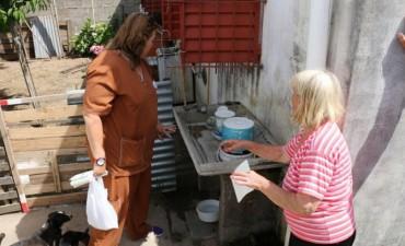 Bromatología comenzó a visitar a los vecinos para asesorar sobre el descacharrado