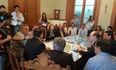 Bolívar estuvo en una jornada en Azul donde se presentaron beneficios para las Pymes