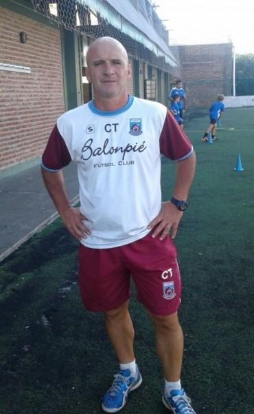 Guillermo Panaro: 'Nadie tiene la verdad en fútbol, a medida que transito este camino me doy cuenta que tengo que aprender'