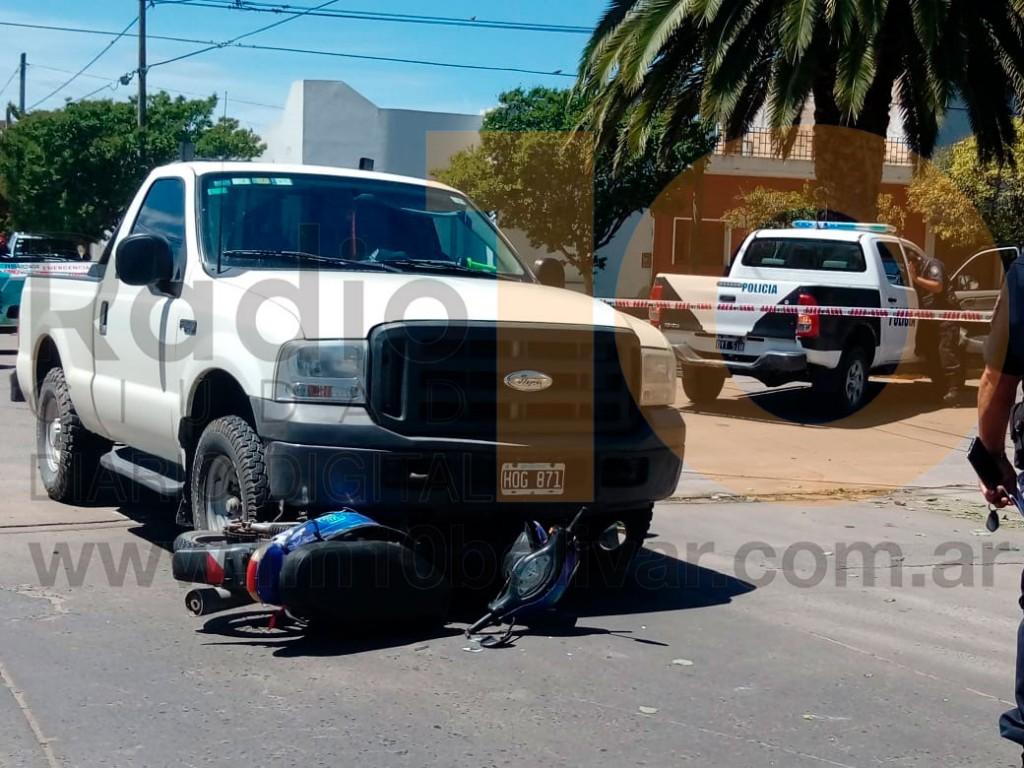 Accidente en Venezuela y Azcuénaga: Dos personas fueron hospitalizadas