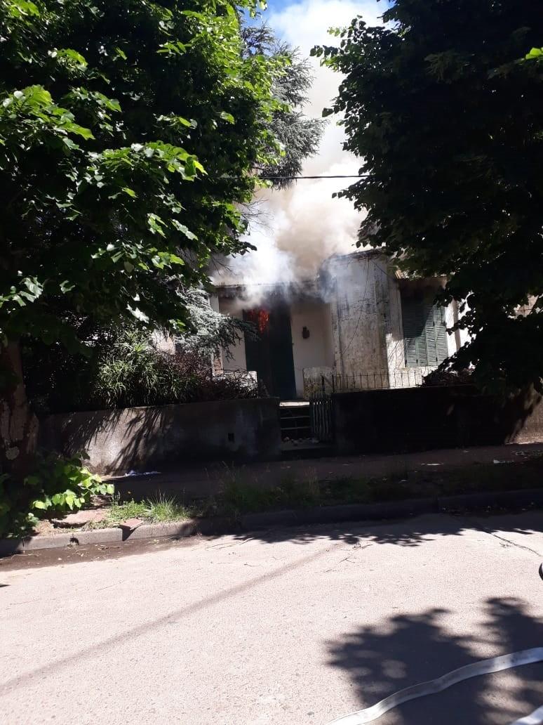 Se registró un incendio en una vivienda de calles Alvear y Pellegrini
