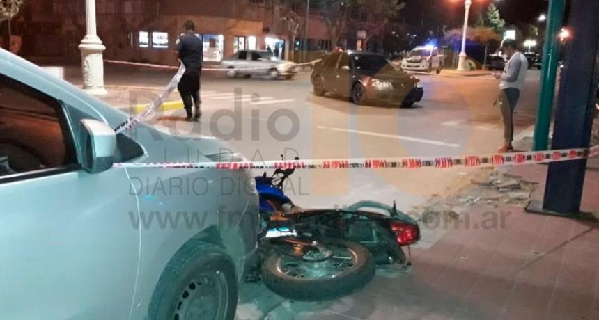 Dos jóvenes hospitalizados a raíz de un accidente en avenida San Martín y calle Dorrego